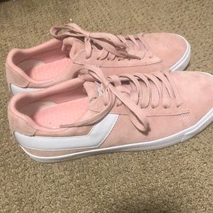 Womens Pony sneakers worn once look brand new